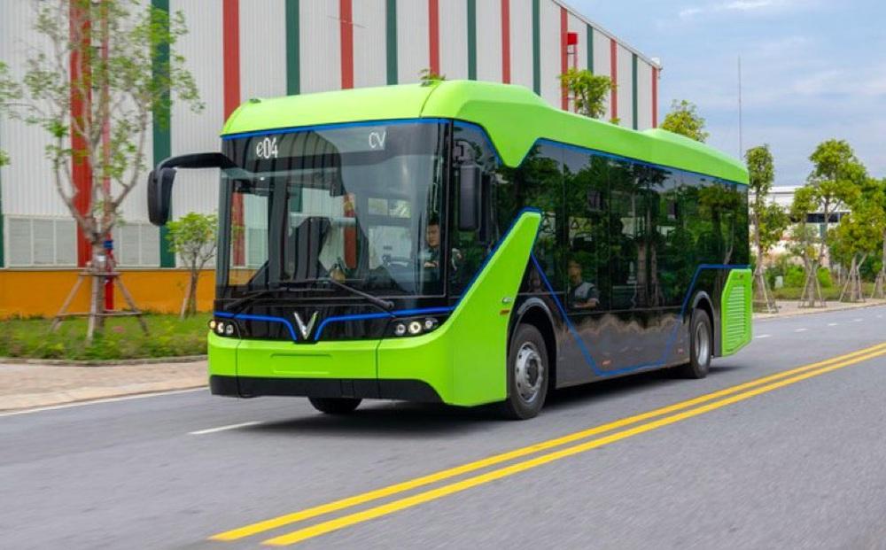 Chính phủ đồng ý để TP. HCM tự quyết thí điểm xe buýt điện của Vingroup