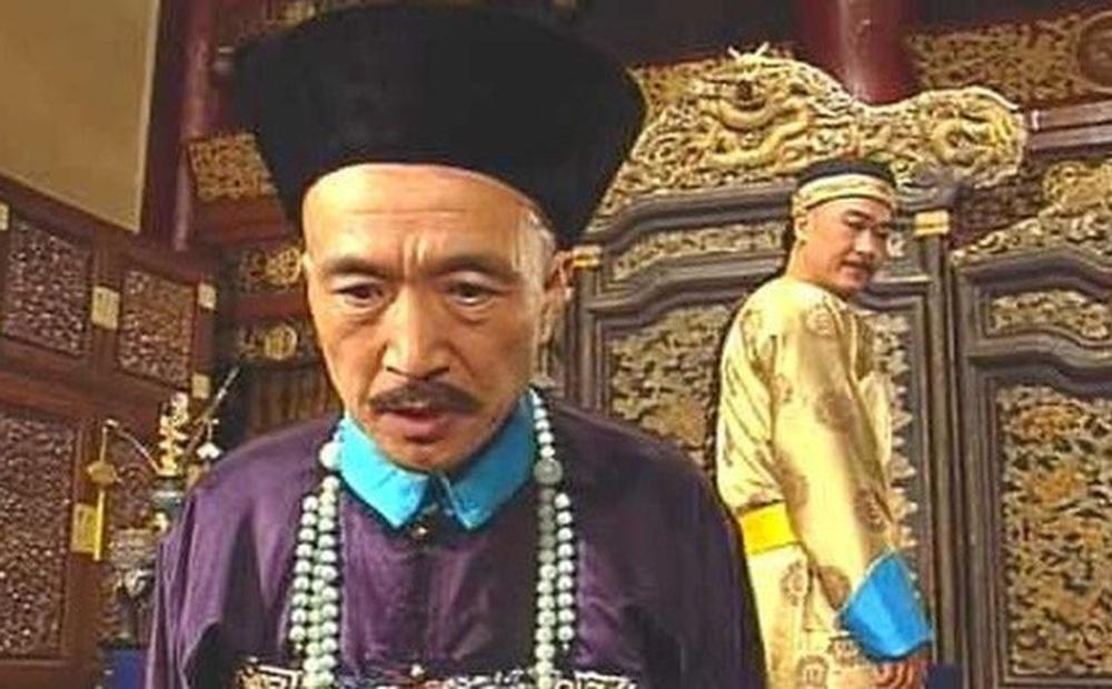 Lưu Dung muốn cáo quan về quê, tại sao Càn Long đế lại ngầm chỉ thị cho con trai là vua Gia Khánh không nên giữ lại dù Gia Khánh rất muốn giữ?