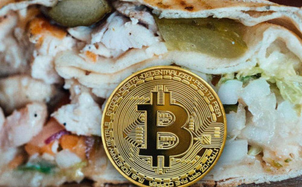 Chuỗi nhà hàng Mexico tặng bitcoin và bánh kẹp để tiếp cận nhóm khách hàng trẻ