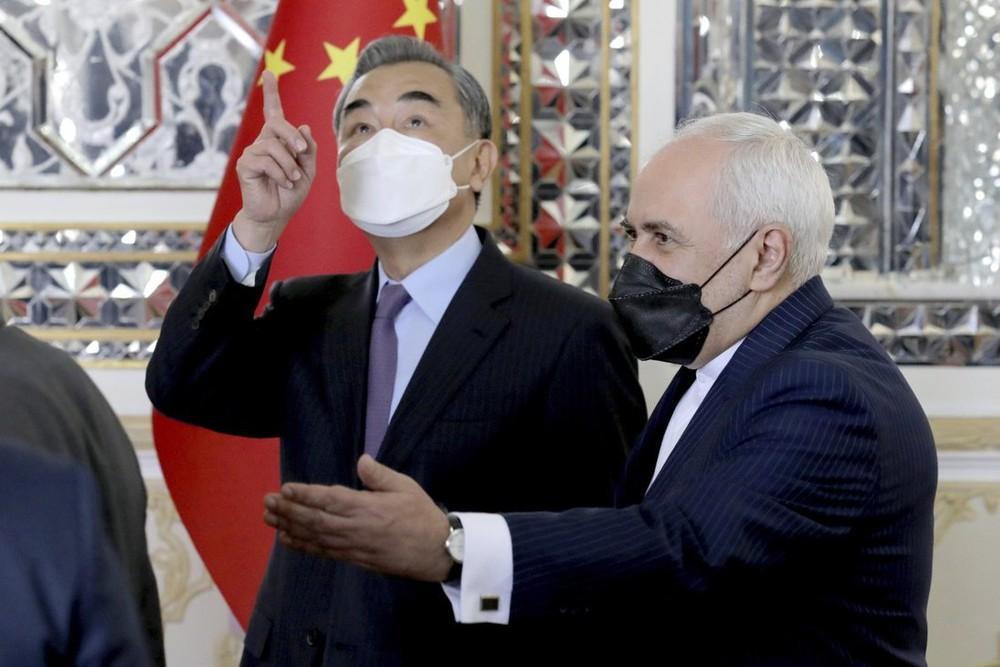 Rồng Trung Quốc giương vuốt ở Trung Đông: Vành đai, Con đường hồi sinh và thông điệp đanh thép gửi Mỹ - Ảnh 4.