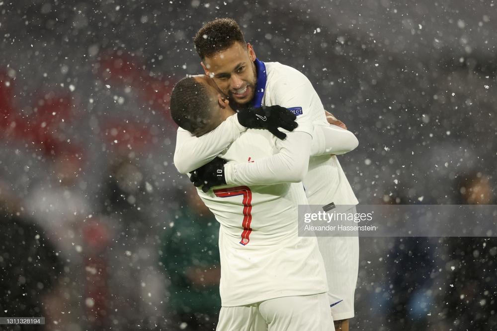 Song kiếm hợp bích, Neymar và Mbappe nhấn chìm Bayern Munich trong cơn mưa bàn thắng - Ảnh 1.
