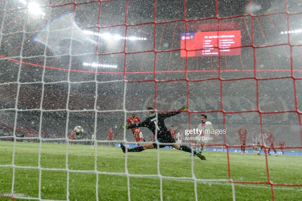 Song kiếm hợp bích, Neymar và Mbappe nhấn chìm Bayern Munich trong cơn mưa bàn thắng - Ảnh 2.