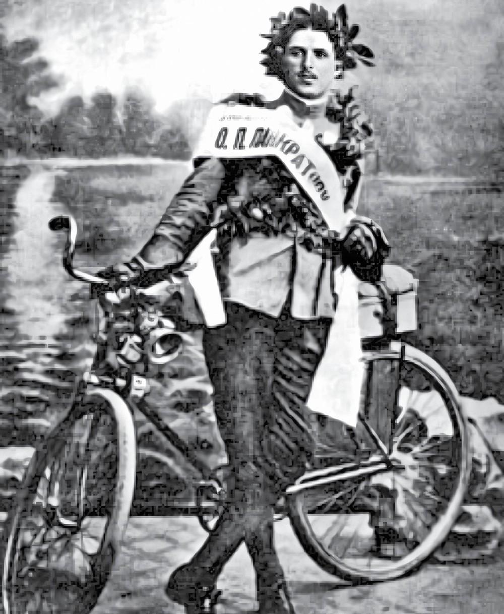 """Hành trình """"vô tiền khoáng hậu"""" của người đàn ông Nga đạp xe vòng quanh thế giới cách đây 100 năm - Ảnh 1."""