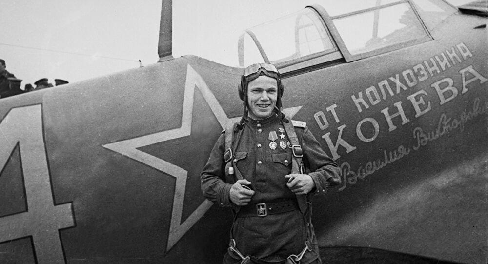 Phi công Liên Xô vĩ đại nhất, bất đắc dĩ bắn rơi tiêm kích tốt nhất của Mỹ - Ảnh 1.