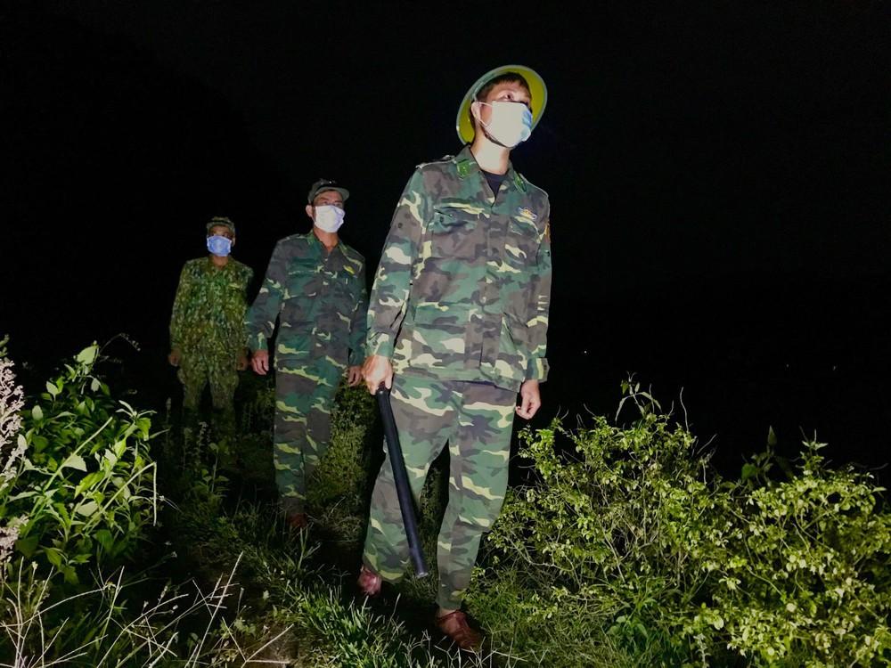 Lập vành đai chống dịch COVID-19 ở biên giới Việt - Lào - Ảnh 8.