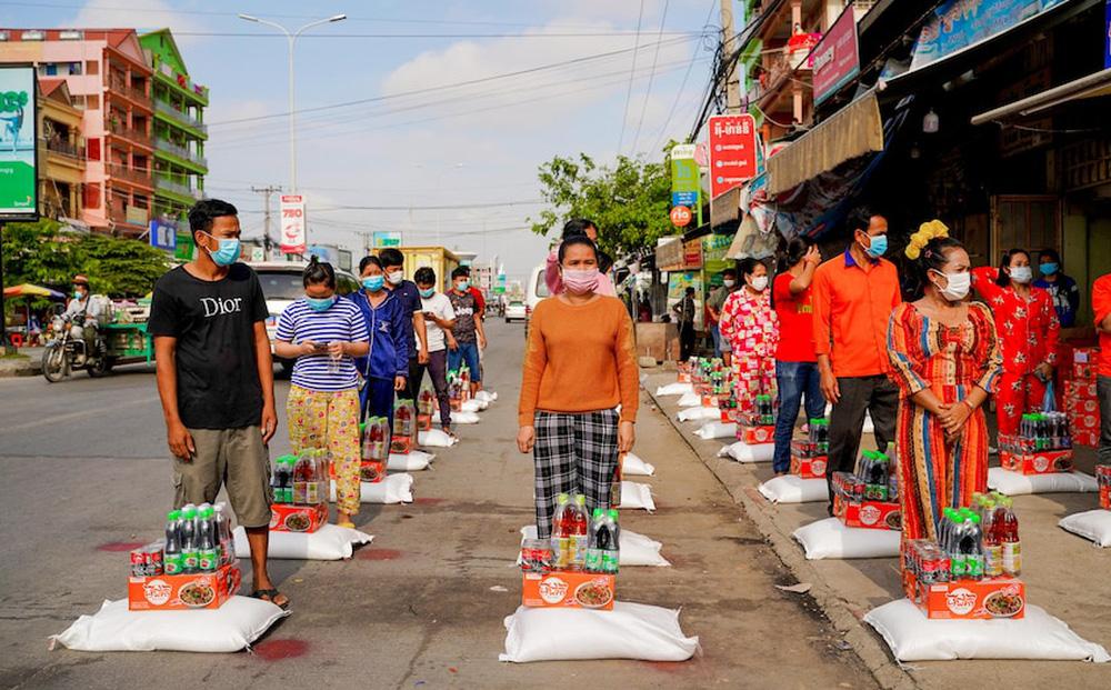 Người dân Campuchia: 'Thực phẩm duy nhất trong nhà tôi là 10 quả trứng'