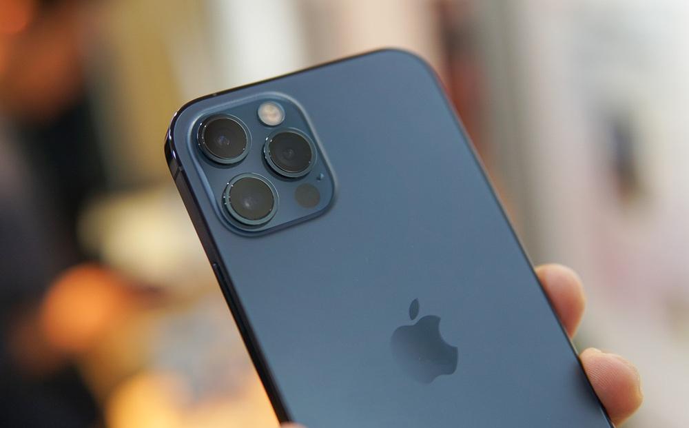 iPhone 12 lao dốc xuống dưới 20 triệu đồng, Galaxy Note 20 và hàng loạt smartphone đồng lọat giảm sâu