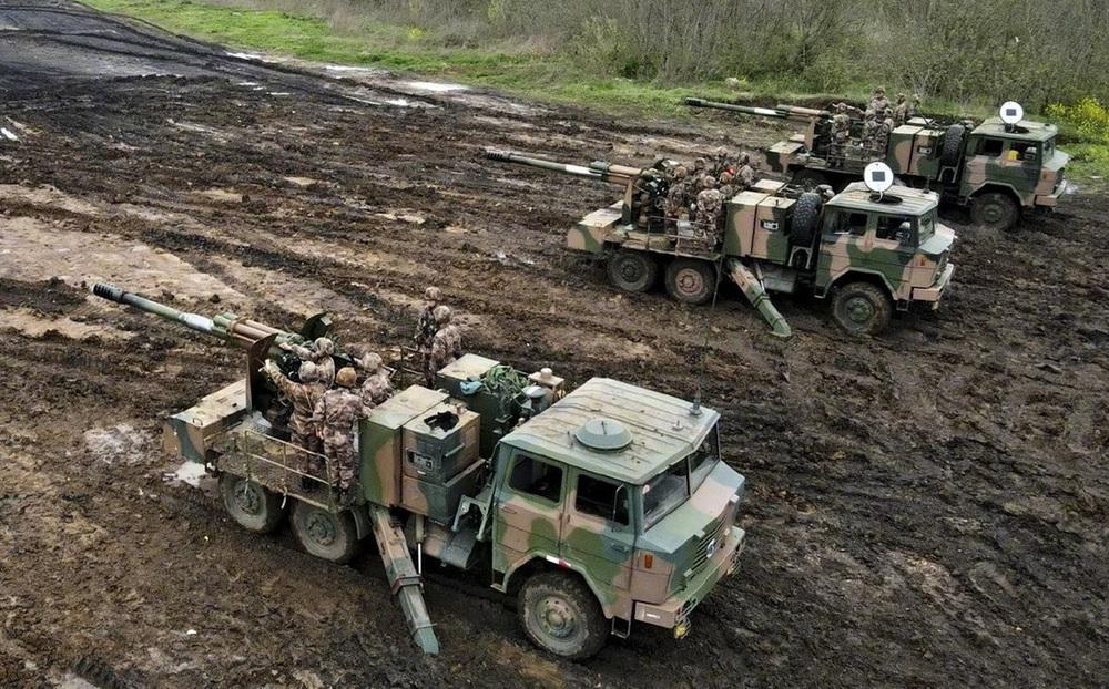 """SCMP: Quân đội Trung Quốc huấn luyện """"lỗi thời kém hiệu quả"""", chiến thuật đều học từ Mỹ - Liên Xô"""