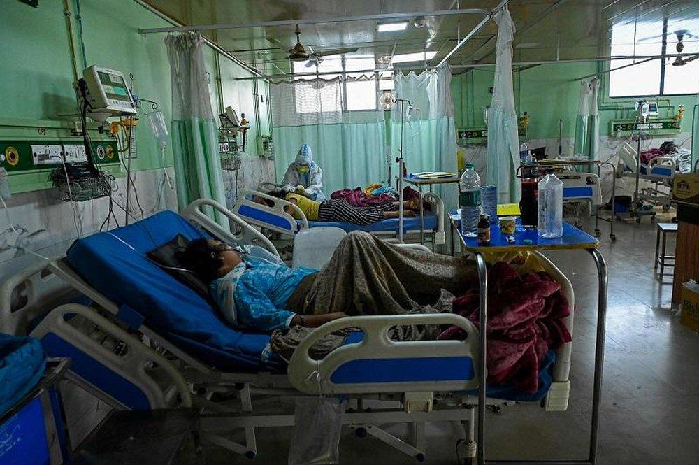 Chuyên gia Ấn Độ: Bệnh nhân mắc Covid-19 có thể bị nhiễm thêm virus hiếm, gây mù lòa, tử vong - Ảnh 1.