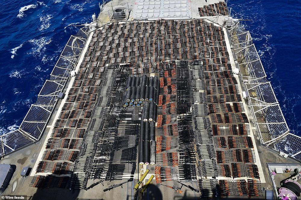 Hải quân Mỹ phát hiện hàng nghìn vũ khí TQ-Nga, mang rải kín một góc tàu chiến - Ảnh 3.