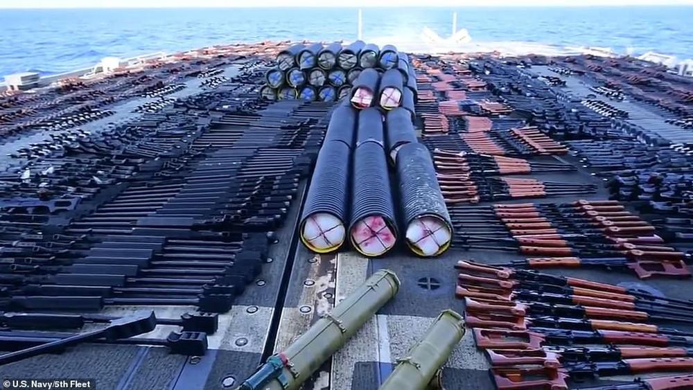 Hải quân Mỹ phát hiện hàng nghìn vũ khí TQ-Nga, mang rải kín một góc tàu chiến - Ảnh 4.