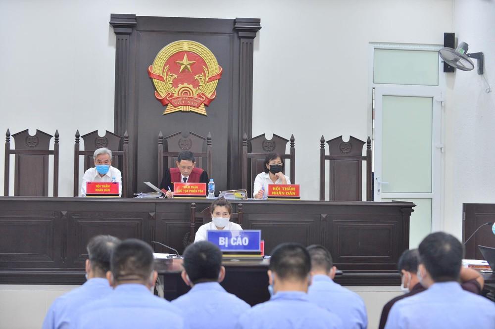 90 cảnh sát, thanh tra giao thông Hà Nội phủ nhận bảo kê xe tải - Ảnh 1.