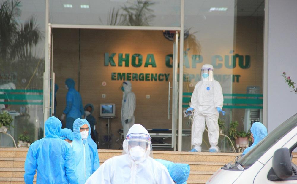 Bệnh viện Bạch Mai cách ly 19 nhân viên y tế liên quan tới ca bệnh 3491
