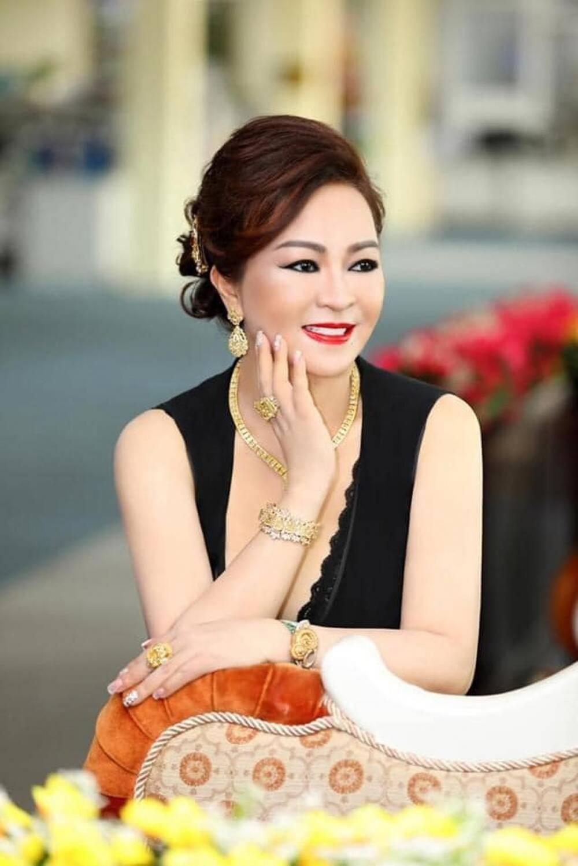 Bà Nguyễn Phương Hằng kể chuyện hoa hậu mua giải, được mời đi thi sắc đẹp nhưng từ chối - Ảnh 3.