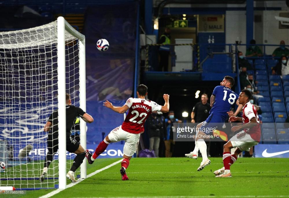 Cuộc đua top 4 Premier League có biến động bất ngờ; Messi và đồng đội nhận thêm tin sét đánh - Ảnh 1.