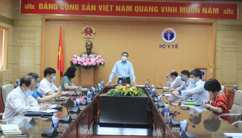 Thứ trưởng Bộ Y tế: Việt Nam có thể thực hiện xét nghiệm tới 100.000 mẫu đơn/ngày - Ảnh 1.