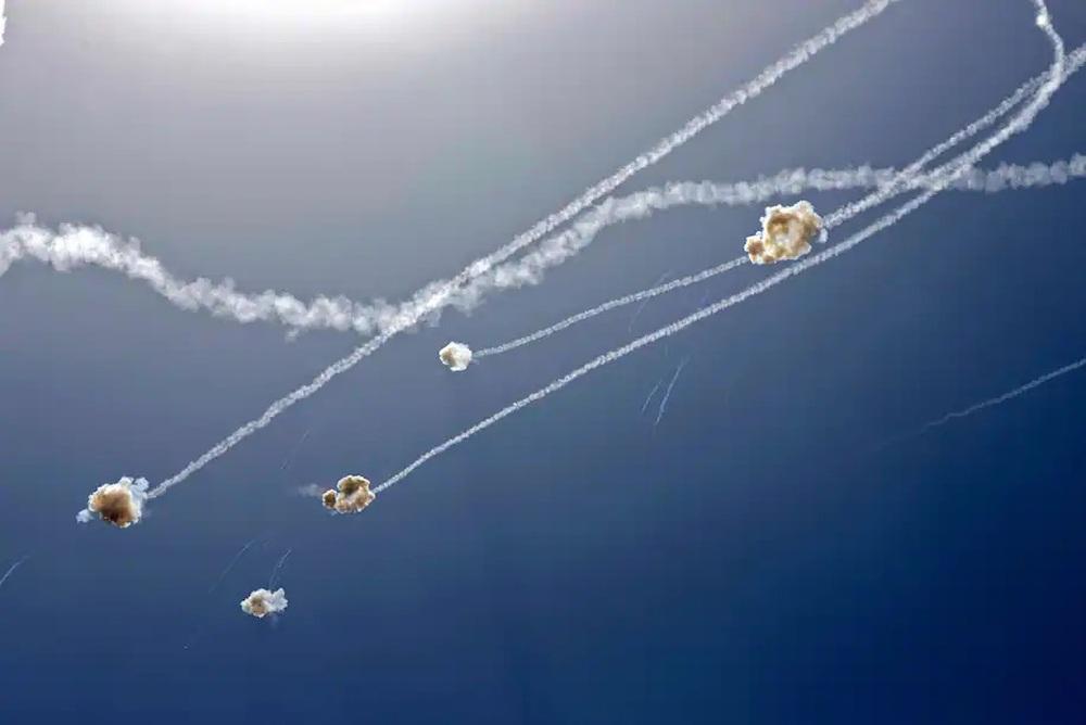 Báo Mỹ: Bắn hàng nghìn rocket, người Palestine đã tìm ra điểm yếu của hệ thống Vòm Sắt? - Ảnh 4.