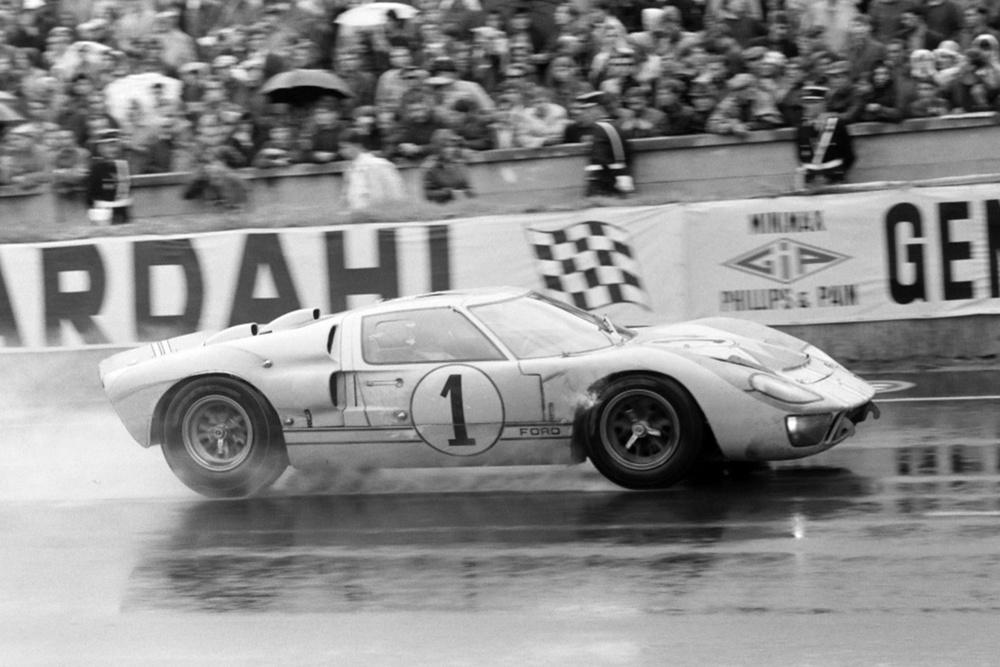 Chiếc xe huyền thoại vùi dập Ferrari trong liên tiếp 4 năm - Việt Nam mới lộ 1 chiếc mới cứng - Ảnh 1.