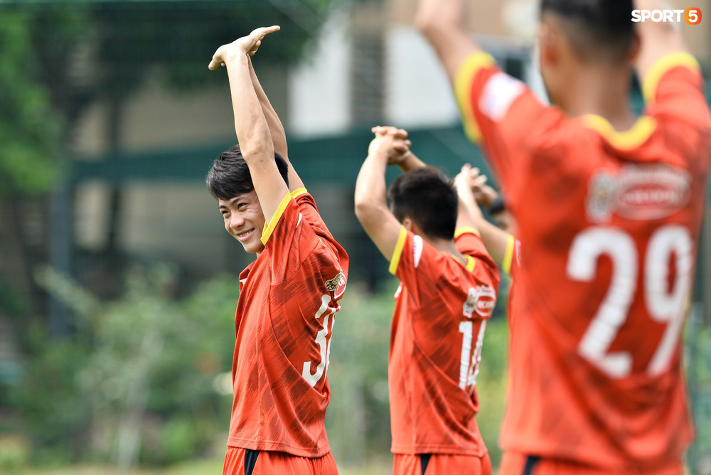 Sao trẻ từng khiến V.League phát cuồng của U22 Việt Nam được chú ý đặc biệt - Ảnh 6.