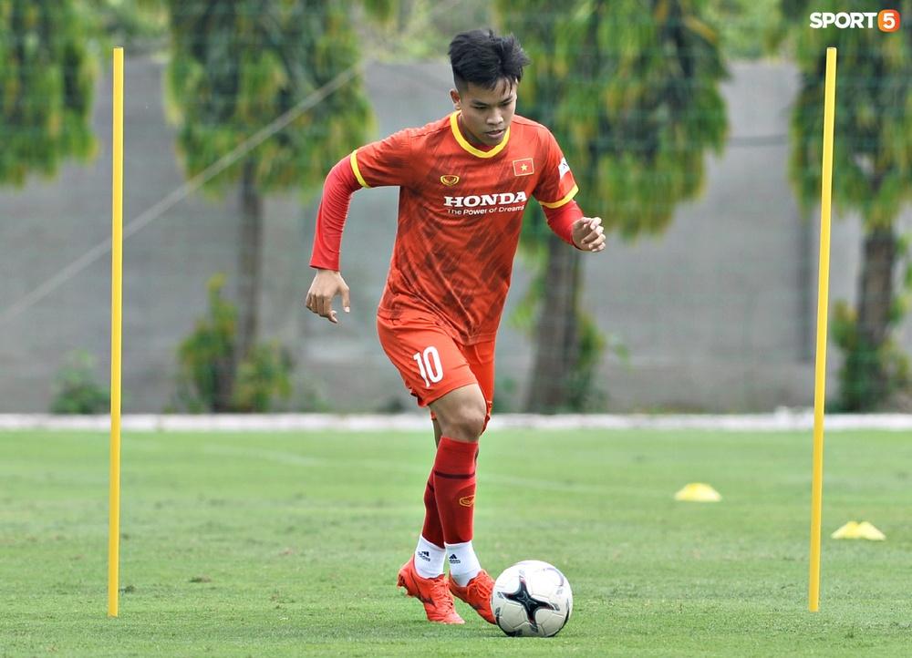 Sao trẻ từng khiến V.League phát cuồng của U22 Việt Nam được chú ý đặc biệt - Ảnh 8.