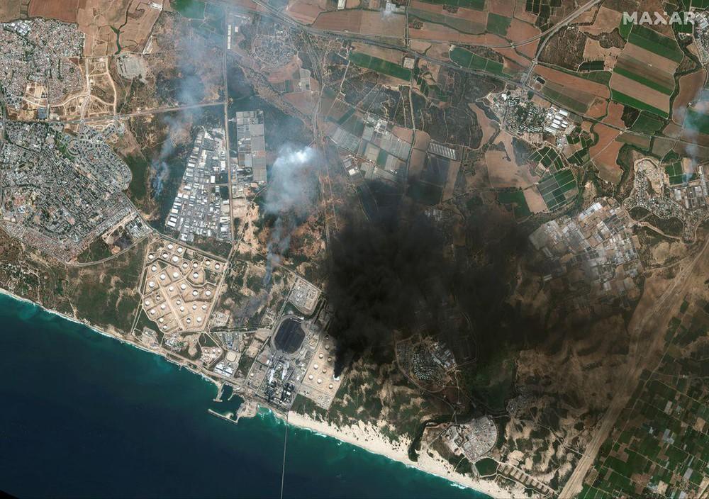 Hứng 2.000 quả rocket của Hamas, vùng biên Israel hóa thị trấn ma - Ảnh 4.