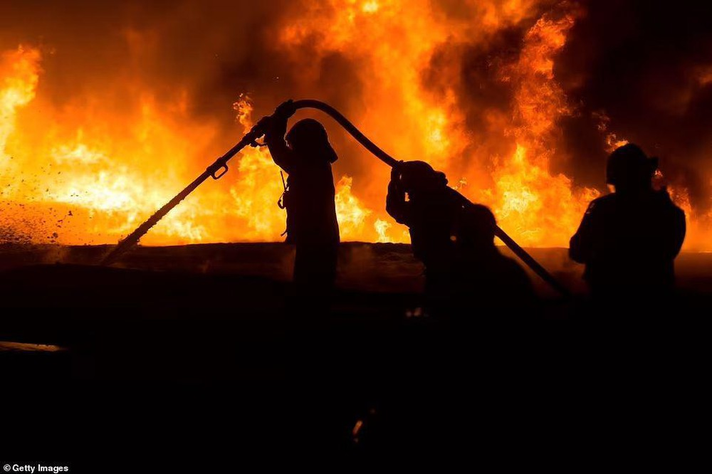 Hứng 2.000 quả rocket của Hamas, vùng biên Israel hóa thị trấn ma - Ảnh 6.