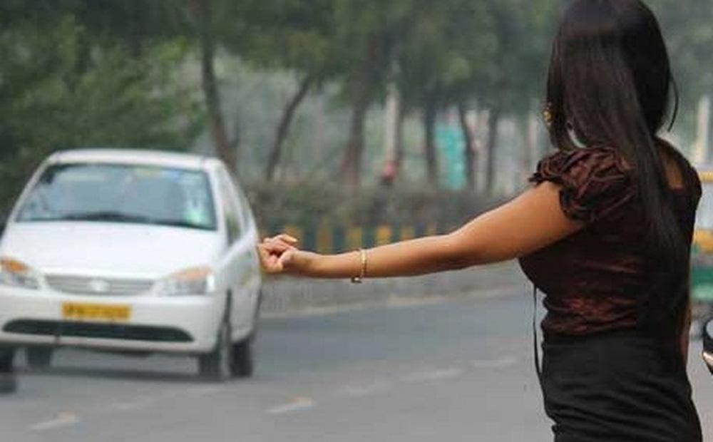 Cho nữ sinh đi nhờ xe rồi cưỡng bức, thủ phạm nhận ngay quả báo khiến dân mạng hả hê