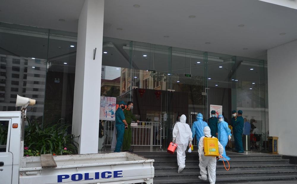 Hà Nội: Đình chỉ sinh hoạt cấp ủy 90 ngày với Giám đốc Hacinco mắc Covid-19