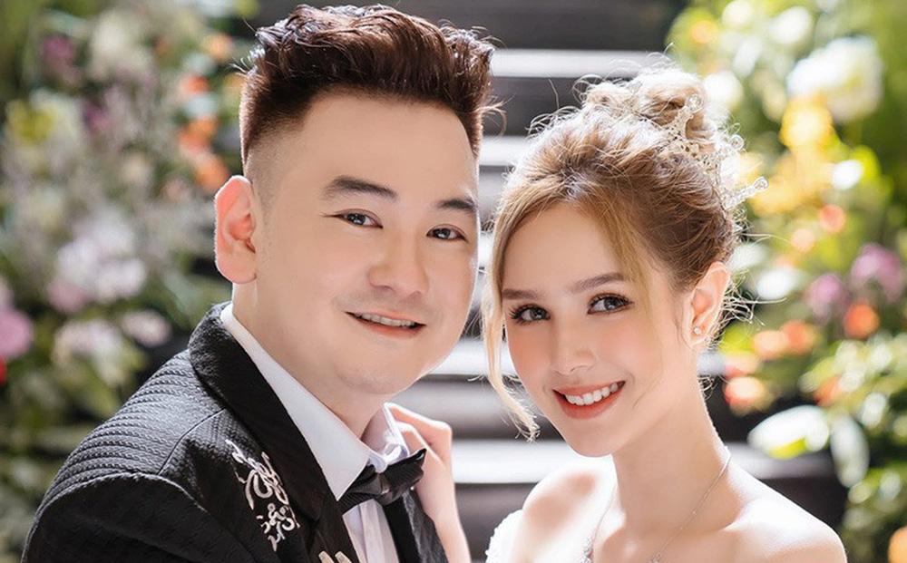 Vợ streamer giàu nhất Việt Nam: Ba mẹ nhốt tôi trong phòng vì quá quậy