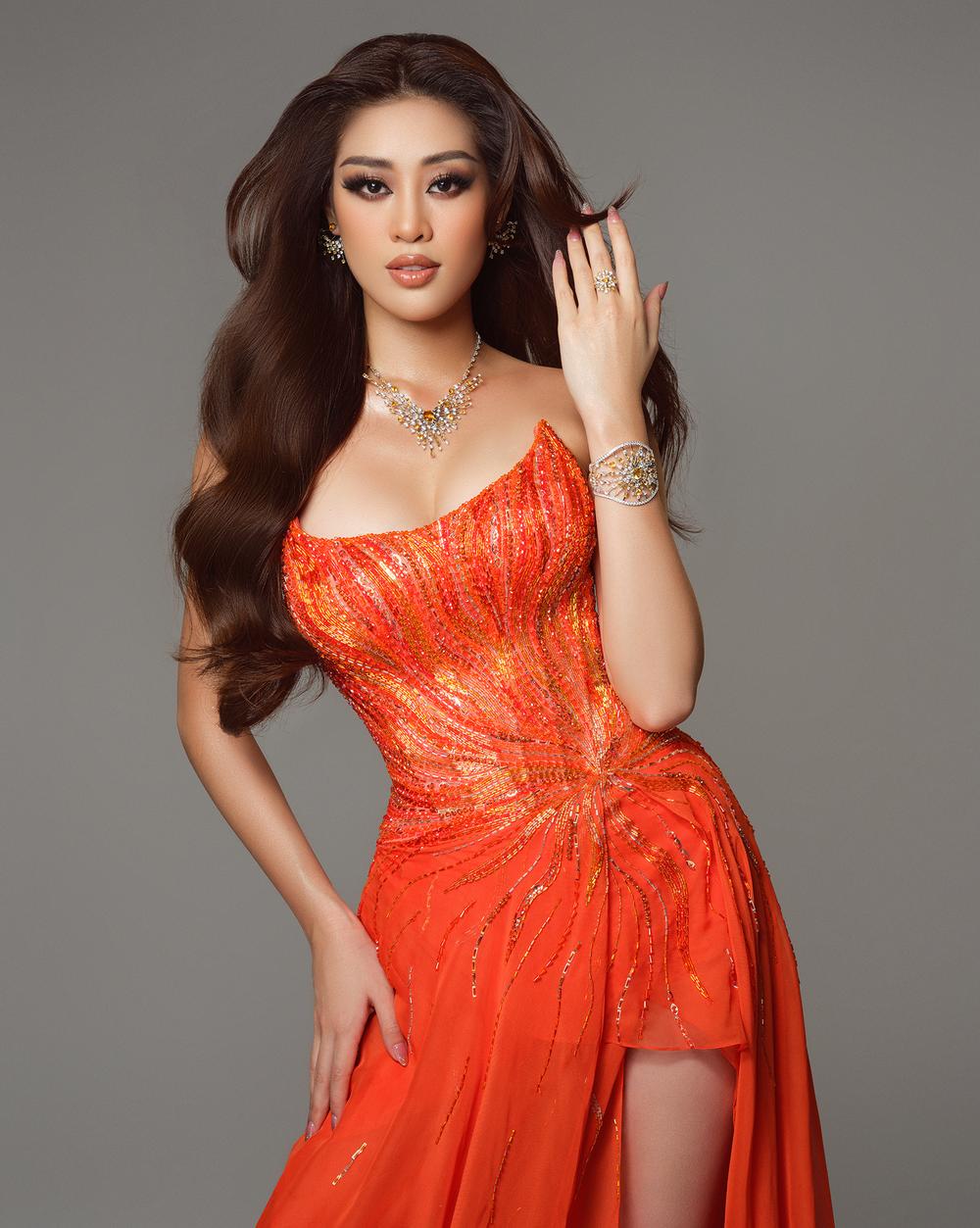 Cận cảnh bộ đồ nóng bỏng, gây ấn tượng mạnh của Khánh Vân trên sân khấu bán kết Hoa hậu Hoàn vũ Thế giới 2020 - Ảnh 8.