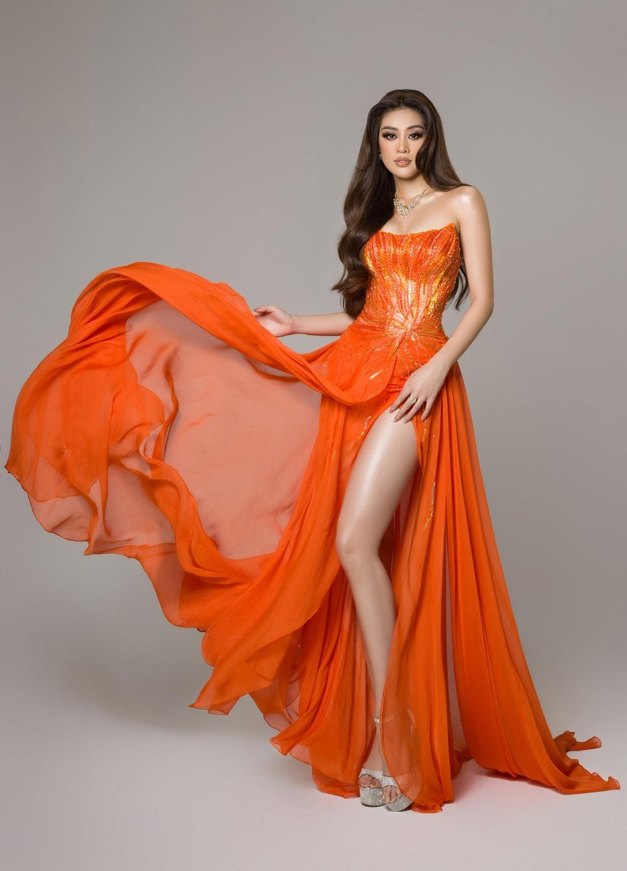 Cận cảnh bộ đồ nóng bỏng, gây ấn tượng mạnh của Khánh Vân trên sân khấu bán kết Hoa hậu Hoàn vũ Thế giới 2020 - Ảnh 3.