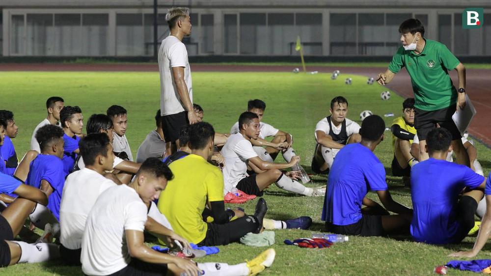 Tuyển Việt Nam loại 10 cầu thủ trước khi sang UAE - Ảnh 1.