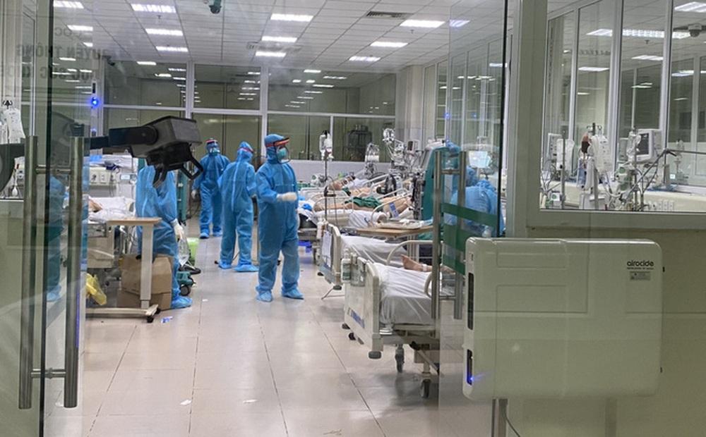 Lặng người khi bác sĩ đang ở khu cách ly BV Bệnh Nhiệt đới Trung ương không thể về khi mẹ qua đời