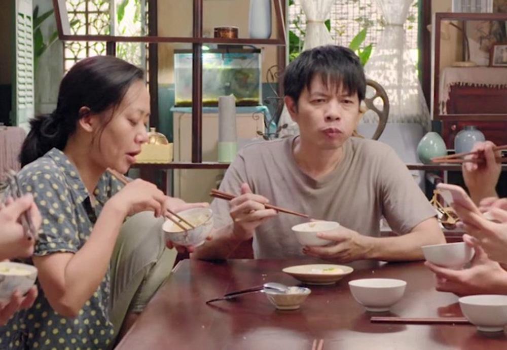 Thái Hòa: Tôi đang nằm ngủ bỗng bật dậy khóc nức nở, vợ phải bạc tóc theo tôi - Ảnh 3.