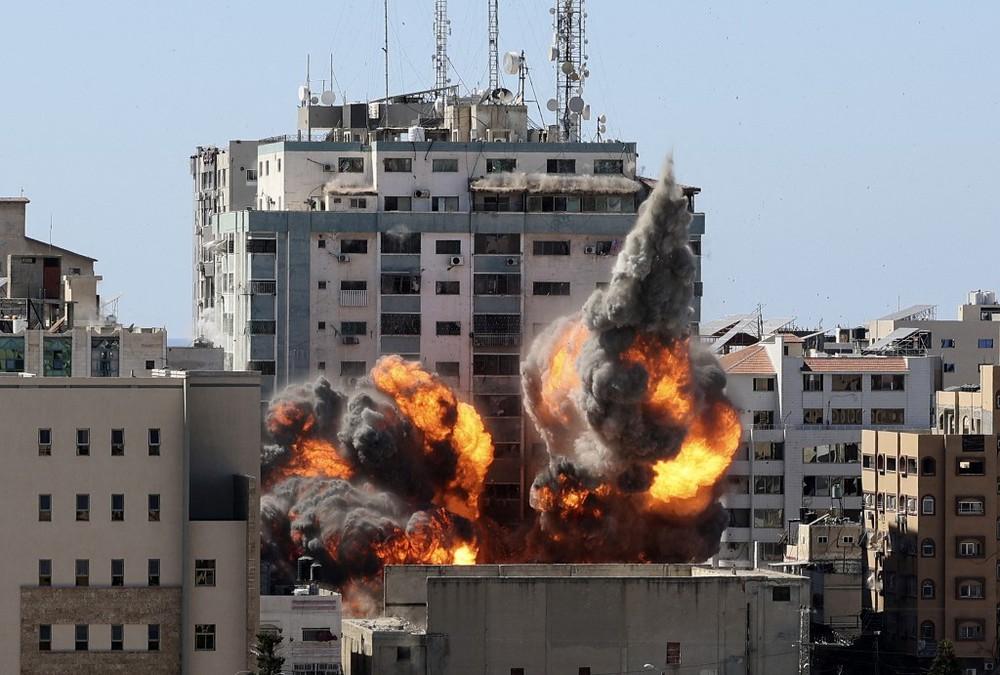 Cuộc tấn công chưa từng có của Hamas, cả Israel chìm trong khói lửa: Người Do Thái đang thua? - Ảnh 2.