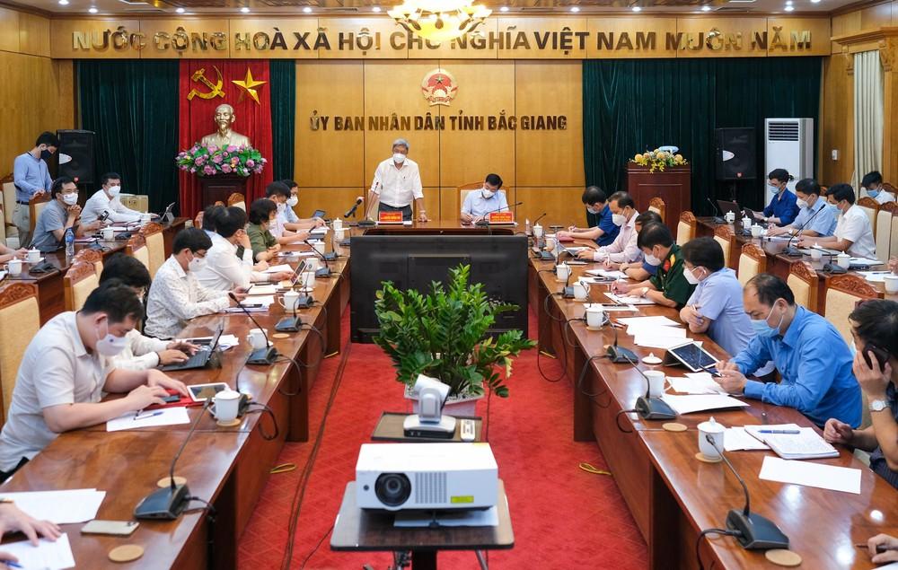 Thứ trưởng Bộ Y tế liệt kê 4 vũ khí giúp Bắc Giang dập dịch - Ảnh 1.