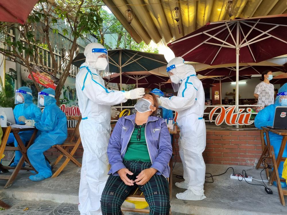 Vụ Giám đốc Hacinco mắc Covid-19: Đà Nẵng có kết quả xét nghiệm những người tiếp xúc với 2 bệnh nhân - Ảnh 3.