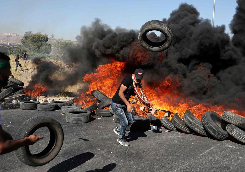 Cuộc tấn công chưa từng có của Hamas, cả Israel chìm trong khói lửa: Người Do Thái đang thua? - Ảnh 3.