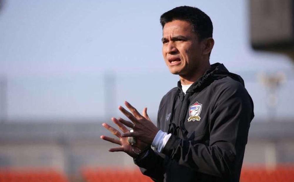 """HLV Kiatisuk hiến kế sách để tuyển Thái Lan giải quyết """"vấn đề lớn"""" ở vòng loại World Cup"""