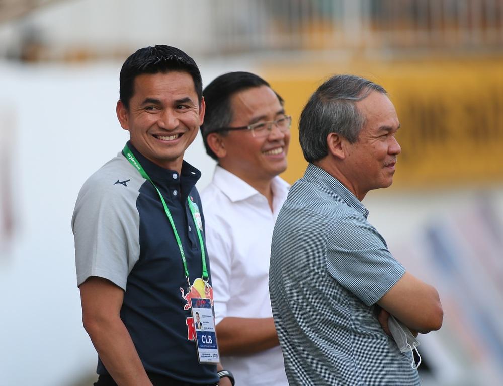 Sau cú ho khẽ của bầu Đức, HLV Park Hang-seo đang phải đối mặt với bóng ma Hữu Thắng - Ảnh 2.