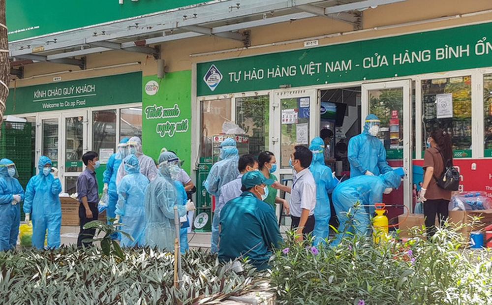 Chủ tịch Nguyễn Thành Phong: Tới giờ phút này, tạm thời yên tâm là đã truy nguồn lây của ca nhiễm Covid-19 ở Thủ Đức