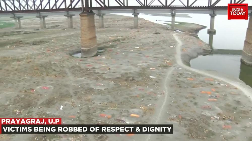 Video mới nhất quay mộ tập thể chôn nghìn người ở Ấn Độ: Sự thật khắc nghiệt của Covid-19 - Ảnh 2.