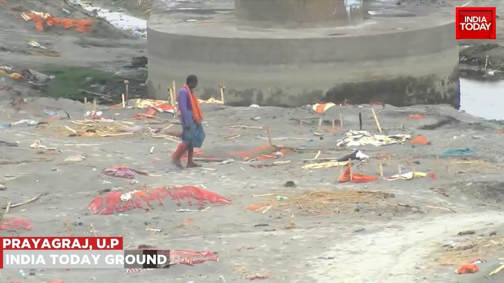 Video mới nhất quay mộ tập thể chôn nghìn người ở Ấn Độ: Sự thật khắc nghiệt của Covid-19 - Ảnh 3.