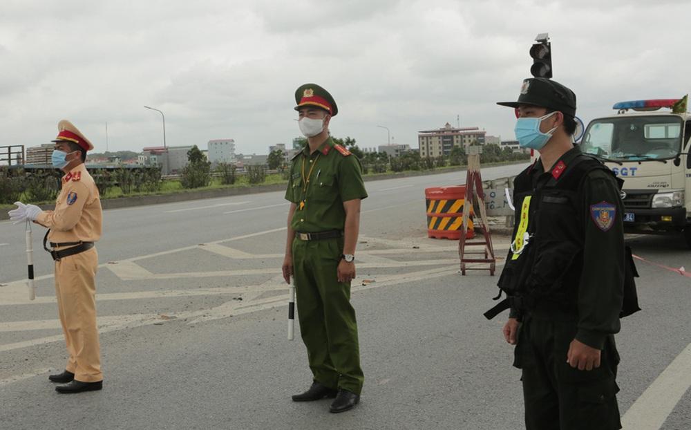 F0 tăng gần 100 ca, Bắc Giang quyết định cách ly xã hội 3 huyện