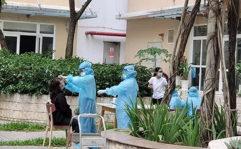 NÓNG: Đã có kết quả giải mã nhanh bộ gene của ca nhiễm SARS-CoV-2 ở chung cư Sunview Town Thủ Đức