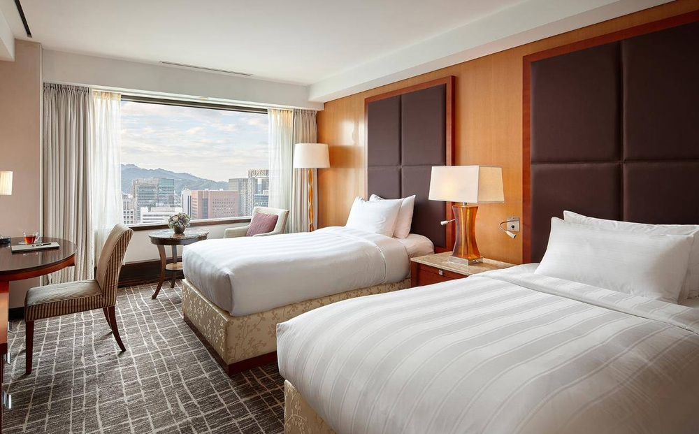 Nếu ở khách sạn, 5 vật dụng này tốt nhất nên hạn chế chạm vào, đặc biệt là cái số 2