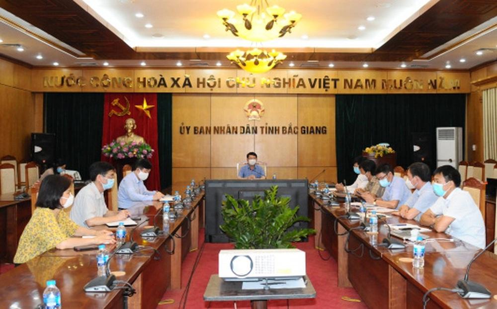 Họp khẩn tiểu ban điều trị COVID-19 tỉnh Bắc Giang: Bệnh nhân dồn dập, nhưng quyết tâm không có ca tử vong