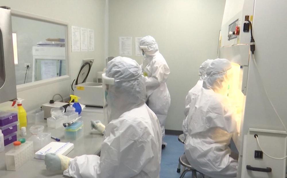 Hà Nội: Ca dương tính SARS-CoV-2 ở Thạch Thất từng ở chung tầng cách ly với 2 F1 mắc Covid-19 của cựu Giám đốc Hacinco