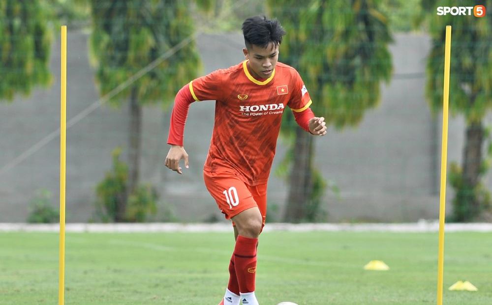 Tiết lộ lý do tuyển thủ U22 Việt Nam bị loại dù ghi bàn vào lưới ĐTQG: Không phải vì vô kỷ luật
