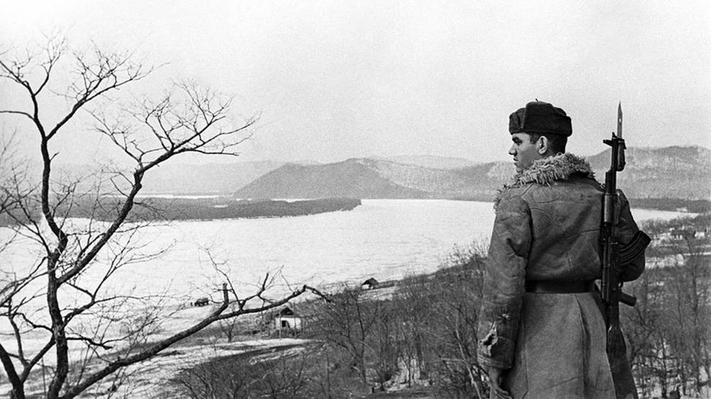 Gorbachev cho không Bắc Kinh đảo của Liên Xô và thỏa thuận vẽ lại biên giới bí mật với TQ - Ảnh 2.
